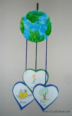 Preschool Crafts for Kids*: Earth Day Mobile Craft Earth Day Projects, Earth Day Crafts, Projects For Kids, Art Projects, Crafts For Kids, Arts And Crafts, Earth Craft, Earth Day Activities, Spring Activities