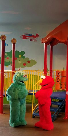 Rosita and Elmo Show at Sesame Place!