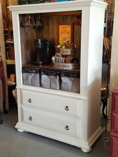 Here is a great repurpose of an entertainment center as a coffee bar. entertainmentsystem : Here is a great repurpose of an entertainment center as a coffee bar. Coffee Bars In Kitchen, Coffee Bar Home, Home Coffee Stations, Armoire Makeover, Furniture Makeover, Furniture Projects, Diy Furniture, Diy Projects, Diy Entertainment Center