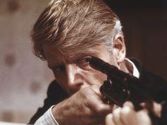 Day of the Jackal | BFI | British Film Institute.  Una de las películas que más me impresionó en la temprana adolescencia. Edward Fox en la foto.