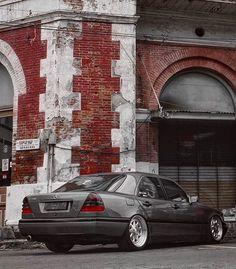 Via @muhammadrifqib || #mercedes #benz #w202 #w202gram #wheels #low #lowered #stance #clean ...