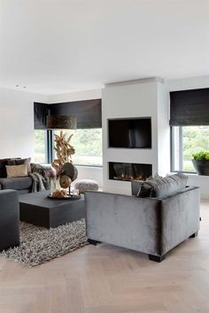 "Foto: Denise Keus ­‐ ""Stijlvol Wonen"" ‐ © Sanoma Regional Belgium N. Living Room Tv, Home And Living, Living Spaces, Sweet Home, Fireplace Design, Small Fireplace, Home Interior Design, Cosy Interior, Modern Interior"