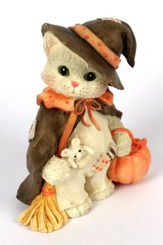 Heidi´s Cherished Teddies Galerie: Calico Kittens Halloweenfigur - I'm Bewitched With Friendship Boyds Bears, Teddy Bears, Cute Stationery, Holidays And Events, Cats And Kittens, Friendship, Plush, Kitty, Quilts