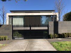 Facades, Garage Doors, Houses, Building, Outdoor Decor, Home Decor, Minimalist House Design, House Design, Homes
