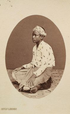 Huisbediende te Batavia, servant at Batavia (now Jakarta), Indonesia