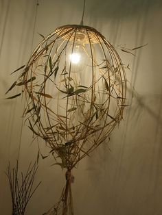 Contemporary basketry, creative and wild. Deco Luminaire, Deco Nature, Natural Candles, Weaving Art, Light Installation, Diy Arts And Crafts, Land Art, Lamp Shades, Light Art