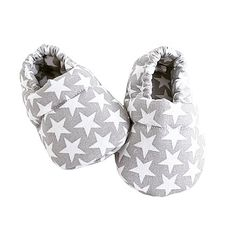 Baby Shoes, Kids, Voici, Fashion, Grey Fabric, Accessories, Bebe, Wall Plug, Young Children