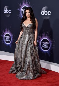 American Music Awards 2019 - Lauren Jauregui attends the 2019 American Music Awards Christina Aguilera, Billie Eilish, Selena Gomez, Taylor Swift, American Music Awards 2019, Versace, Camila And Lauren, Poses, Heidi Klum