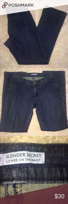 Lee Jeans Slender Secret Low Waist fleur de lis Lee Jeans Denim Slender Secret Low Waist  size 12 ... .. fleur de lis pockets ..   Stretch... factory home if you have any questions let me know measurements are pictured Lee Jeans Straight Leg