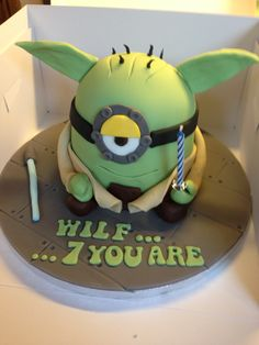 Yoda minion cake Star Wars