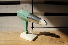 50,00 € Secador de pelo de mano eléctrico vintage Taurus. Funciona a 220v