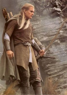 """This triology is a must – it is only too long for a DVD evening. """"Lord of the Rings"""" with Orlando Bloom as Legolas and Viggo Mortensen as Aragorn is … Gandalf, Legolas Et Aragorn, Tauriel, Arwen, Fellowship Of The Ring, Lord Of The Rings, Jackson, Elf Kostüm, Orlando Bloom Legolas"""