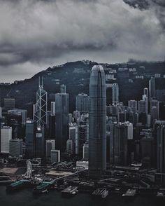 Hong Kong harbour - - - #hongkong #harbour #china #chinatravel #travel #travelphoto #travelphotography #asia #photooftheday #photography #cityscape #cntraveler #bbctravel #lowkeylandscape