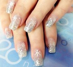 Snowflake Manicure Ideas: White and Silver