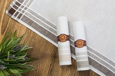 Taschentücher in Zigarrenform Form, Napkin Rings, Candles, Home Decor, Cigars, Gifts, Decoration Home, Room Decor, Candy