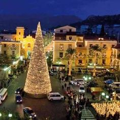 Christmas in Sorrento, Italy ~ kids will just love this