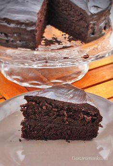Csokitorta, ami nem száraz! recept Recipes, Food, Cakes, Cake Makers, Essen, Kuchen, Cake, Meals, Torte