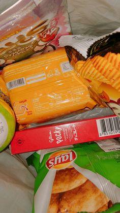 Junk Food Snacks, Food N, Food And Drink, Snap Food, Snack Recipes, Healthy Recipes, Healthy Food, Tumblr Food, Chocolates