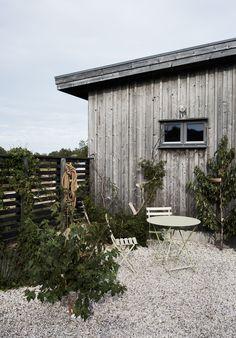 Villa AK by m. Villas, Interior Storm Windows, Outdoor Spaces, Outdoor Living, Timber Buildings, Porche, Exterior Cladding, Building A New Home, Rustic Outdoor