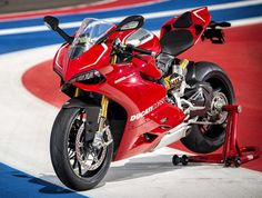 Ducati 1199 Panigale R presented in Texas - http://stephanetouboul.org/ducati-1199-panigale-r-presented-in-texas/