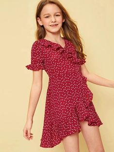 To find out about the Girls Allover Heart Print Ruffle Trim Dress at SHEIN, part of our latest Girls Dresses ready to shop online today! Preteen Girls Fashion, Girls Fashion Clothes, Kids Fashion, Fashion Outfits, Stylish Dresses, Cute Dresses, Little Girl Dresses, Girls Dresses, Cord Pinafore Dress