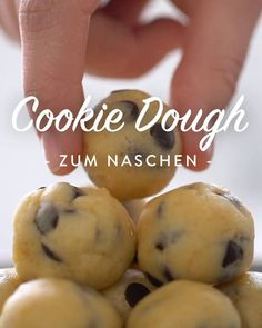 Cookie Dough selber machen – das Grundrezept ohne Ei - galletas - Las recetas más prácticas y fáciles Healthy Dinner Recipes, Healthy Snacks, Healthy Nutrition, Drink Recipes, Healthy Eating, Tartiflette Recipe, Edible Cookies, How To Make Cookies, Cookies Et Biscuits