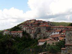 Ugliancaldo (Casola in Lunigiana)-panorama2 - Ugliancaldo - Wikipedia