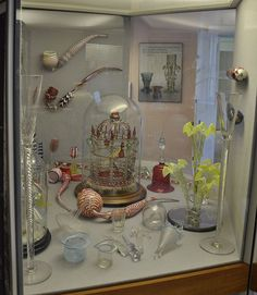 One of the best glass collections in the world can be found at Broadfield House Glass Museum in the historic Stourbridge Glass Quarter. The displays range from the 17th century up to the present day, revealing the diversity of glass and the creativity of glassmakers through the ages.