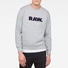 now on eboutic.ch - grey sweatshirt for men Grey Sweatshirt, Graphic Sweatshirt, Blue Jeans, Denim Jeans, G Star Raw, Shorts, Sweatshirts, Sweaters, Pants