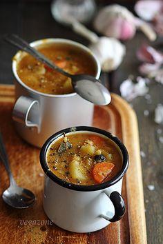 Prawdziwa grochówka wegańska Soups And Stews, Dip, Vegan Recipes, Curry, Dinner, Ethnic Recipes, Food, Fotografia, Dining