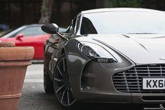 77 curves (Aston Zagato) by Stephan Bauer