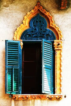 Moroccan style For the Home,Shutters,vanity,Windows, Moroccan Style, Moroccan Colors, Moroccan Design, Doorway, Windows And Doors, Architecture Details, Facade, Beautiful Places, House Beautiful
