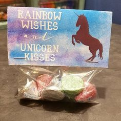 Did you know that we can do custom party favors? I mean, how cute is this #Unicorn treat bag topper? #suiteedesigns