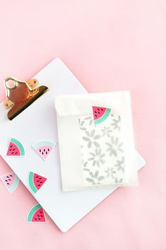 DIY Watermelon Stickers - click through to create your own watermelon stickers with this tutorial on Maritza Lisa. Perfect for packages and planners!