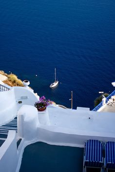santorini, greece- so excited to go! Oh The Places You'll Go, Places To Travel, Places To Visit, Clearwater Beach, Santorini Greece, Mykonos, Dream Vacations, Vacation Spots, Lovers Photos