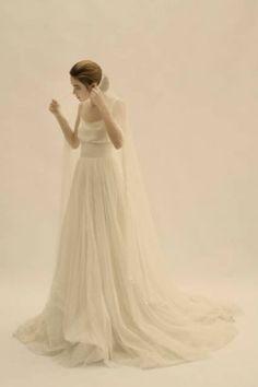 Vestido de noiva da coleção 2012 de Cortana. Foto: Cortana