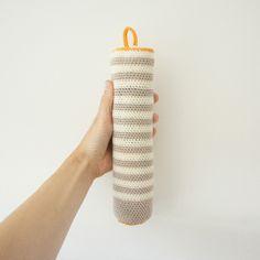 bag for bottle Crochet Home, Diy Crochet, Straw Bag, Small Stuff, Beige, Knitting, Goodies, Crafts, Craft Ideas