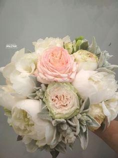 Esküvői csokor májusban! Floral Wreath, Wreaths, Home Decor, Decoration Home, Room Decor, Bouquet, Flower Band, Interior Decorating, Floral Arrangements