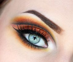 This cut crease (and very Halloween appropriate!) look by Paulina Hamiga features Makeup Geek Pigment in Vegas Lights.