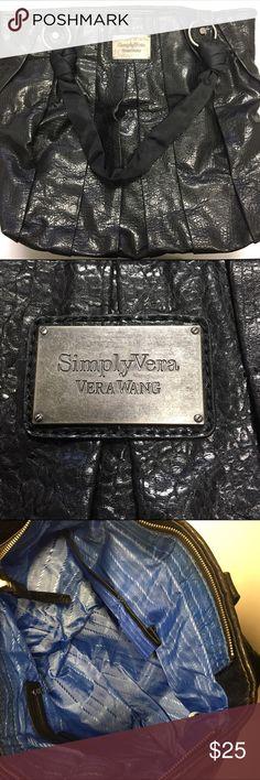 Vera Wang Black Tote Bag Large black tote bag from simply Vera Wang with inside pockets Simply Vera Vera Wang Bags Totes