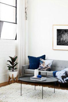 Squeak Winter 2016 Collection Navy Blue Cushions On Grey Sofa Graue Couch Wohnzimmer Wohnzimmer Grau Kissen Sofa
