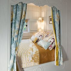 Lovers of high-class fabrics will be thrilled by the beautiful SOLEIL BLEU creations, ranging from emphatically classic, to playful and feminine, to an on-trend ethno look. Alcove Bed, Bed Nook, Bedroom Nook, Boho Bedroom Decor, Decor Room, Built In Bed, Kids Bedroom Designs, Home Decor Colors, Cottage Design