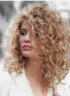 55 beautiful styles of curly blonde hair 2019 make you more cute enchanting 20 -. 55 beautiful styles of curly blonde hair 2019 make you more cute enchanting 20 - - Curly Hair Styles, Curly Hair Cuts, Short Curly Hair, Wavy Hair, Natural Hair Styles, Blonde Curly Hair Natural, Hair Cutting Games, Cutting Hair, Short Natural Curls