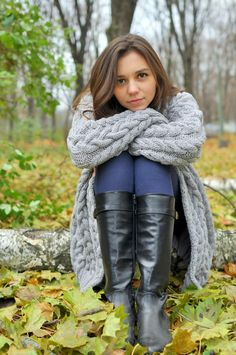 Knitted women cardigan, handmade work, very soft cardigan for women, very beautiful model for any woman High Leather Boots, Leather Riding Boots, High Boots, Tall Boots, Leather Jacket, Best Cardigans, Cardigans For Women, Sexy Stiefel, Winter Mode