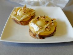 Tartine ou bruschetta Normande au Neufchâtel, pommes et miel