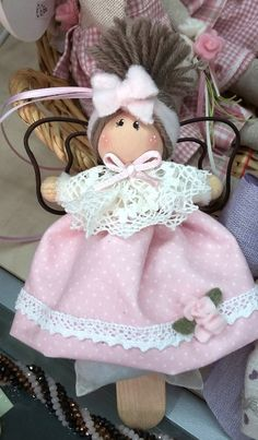 Explanation and design for the realization of the Doll Crafts, Diy Doll, Fabric Doll Pattern, Homemade Dolls, Bazaar Crafts, Lavender Bags, Angel Crafts, Crochet Round, Flower Fairies