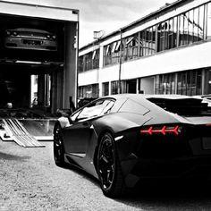 Damnnn! #Lamborghini Aventador LP700-4. Click the pic for more #carporn