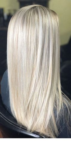 30 Bright Blonde Hair Color Ideas for the Summer 2019 Blonde hair models Bright Blonde Hair, Blonde Hair Looks, Blonde Hair Shades, Honey Blonde Hair, Blonde Hair With Highlights, Platinum Blonde Hair, Blonde Hair For Summer, Fall Blonde Hair Color, Coiffure Hair