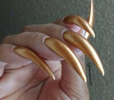 #esmaltedonabibi #esmalte #unhascompridas #instapics #instainspire #unhas #naturalnails #beauty #instanails #photo #good #mynails… Perfect Nails, Gorgeous Nails, Pretty Nails, Acrylic Nails Stiletto, Curved Nails, Golden Nails, Chrome Nails, Natural Nails, Long Nails