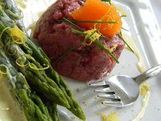 Tartar di Tonno Rosso con Asparagi, Caviale di Coregone del Lago di Como e Salsa al Limone